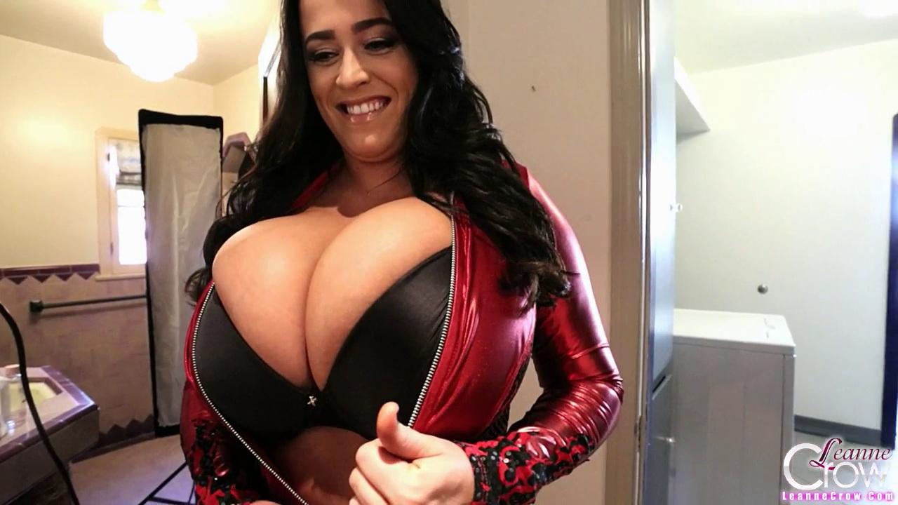 cup tits d Natural